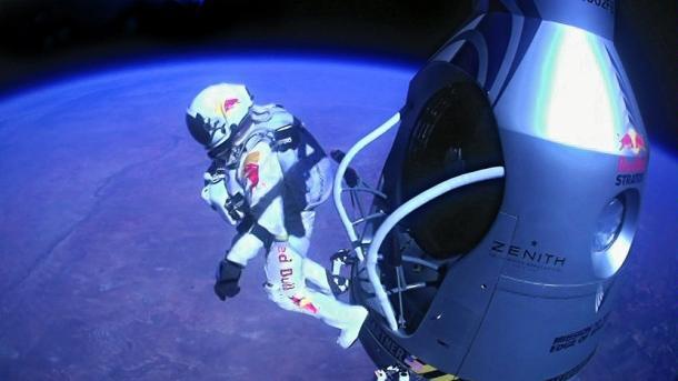 Felix Baumgartner Red Bull Stratos jump